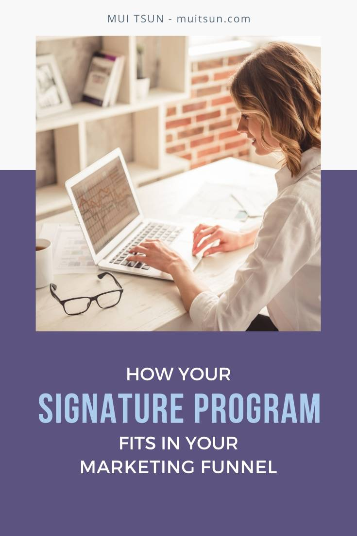 A signature program forms a core part of your business model. Here's how it can help you serve more clients and bring in more income. #signatureprogram #onlinemarketing